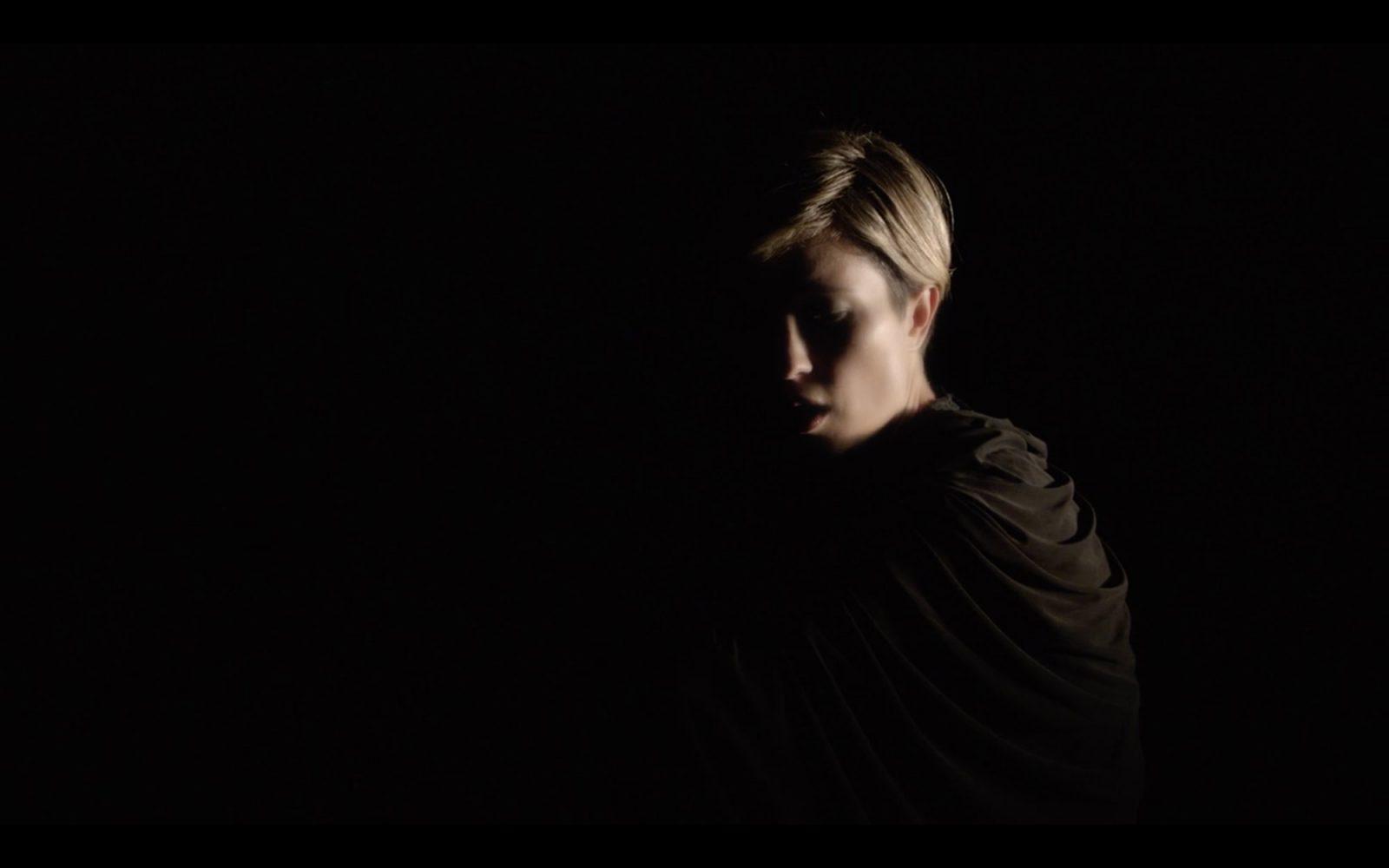MUSICVID_Missy-Higgins-'Unashamed-Desire_01